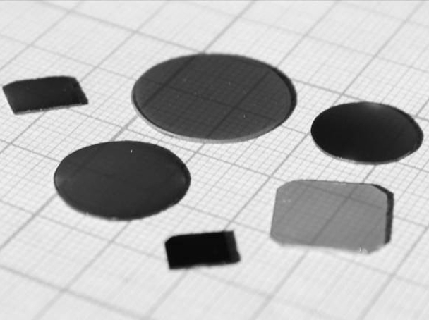Samples of thin films on dielectric substrates